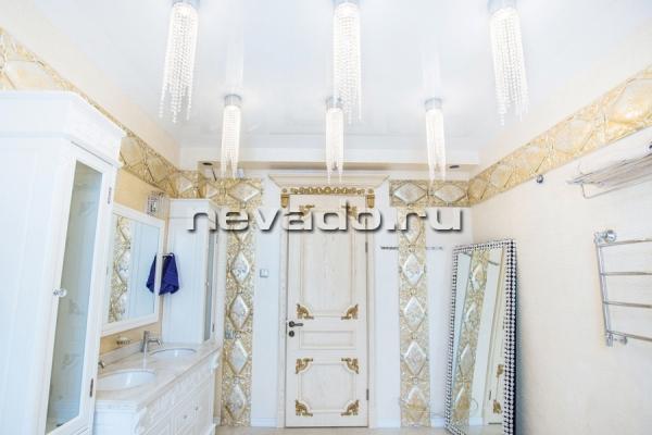 Цены на натяжные потолки в ванной