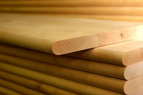 Древесный массив – идеальный материал для производства мебели