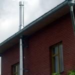 Строительство загородного дома с дымоходом из нержавейки