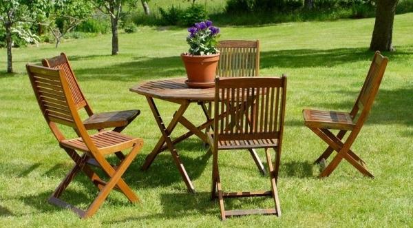 С садовой мебелью от 220.lv фурор обеспечен