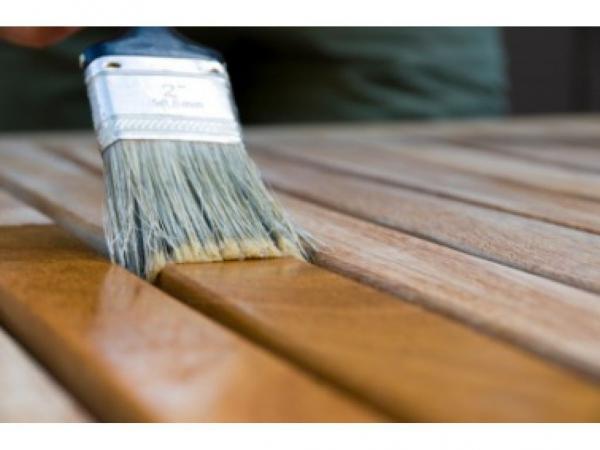 Каким лаком покрывать деревянную поверхность?