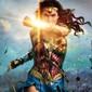 Звезды вселенной Marvel поздравили «Чудо-женщину» с удачным стартом
