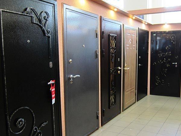 Плюсы и минусы входных металлических дверей