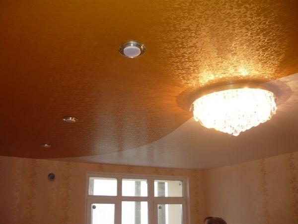 Как выбрать фактурные натяжные потолки